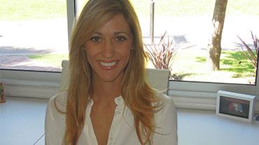 Portrait picture of Jessica Claros